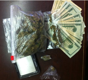 Mom Arrested With 1 4 Pound Of Weed And Child In Car Safety Seat