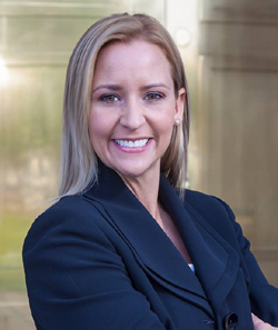 Leslie Rutledge Photo